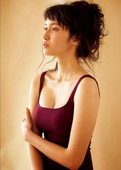 Ichikawa_Saya_Weekly_Playboy_Dec_2014_Images_5.jpg